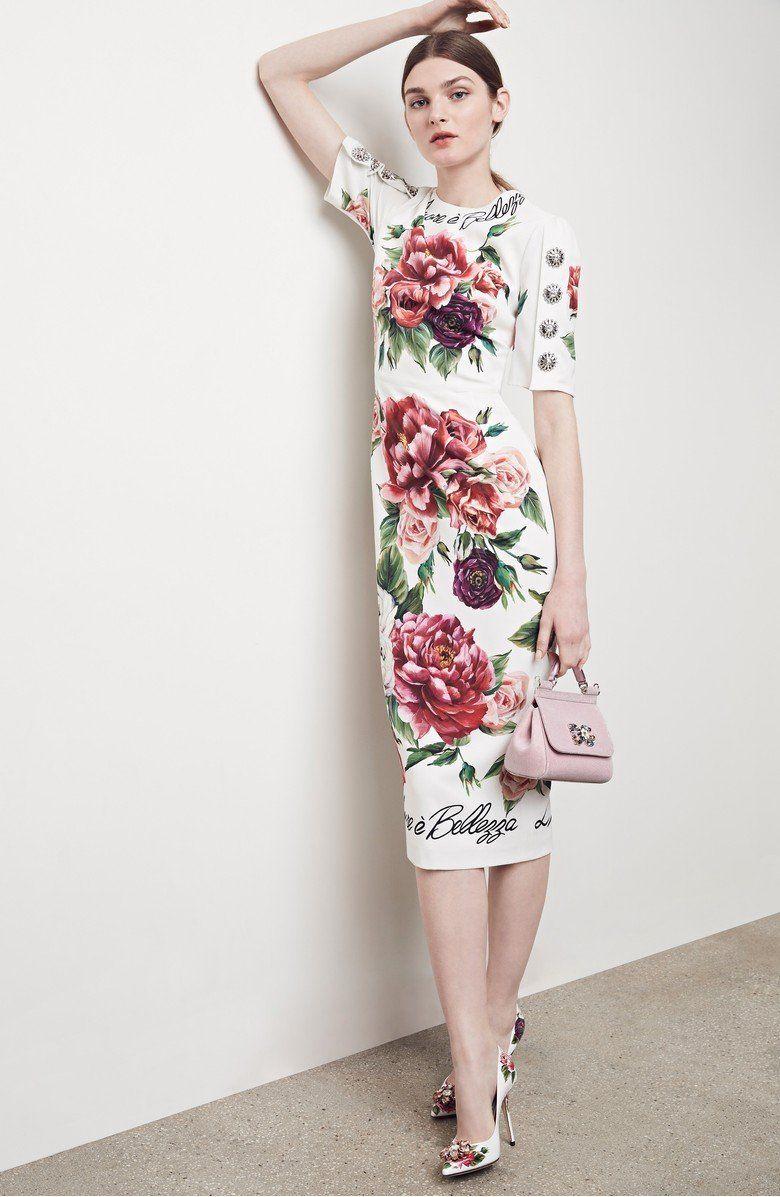 Dolce Gabbana celebrate l amore è bellezza— love and beauty —with ... 780cb9328