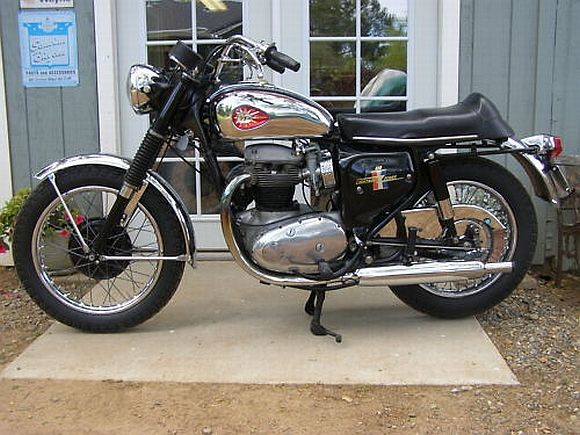Really Lovely Bsa Lightning Sold On Ebay Recently From The Throttleyard Check The Chrome Mmmm Bsa Motorcycle Classic Motorcycles For Sale Bike Nerd