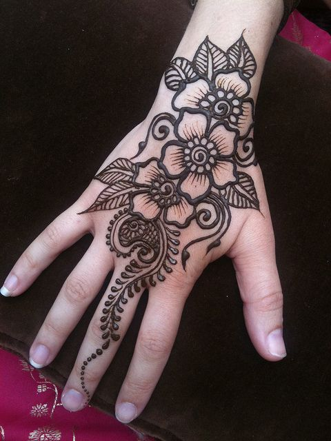 9fb39a265f487 IMG_2255 by heartfire, via Flickr Traditional Henna Designs, Henna Designs  For Hands, Henna