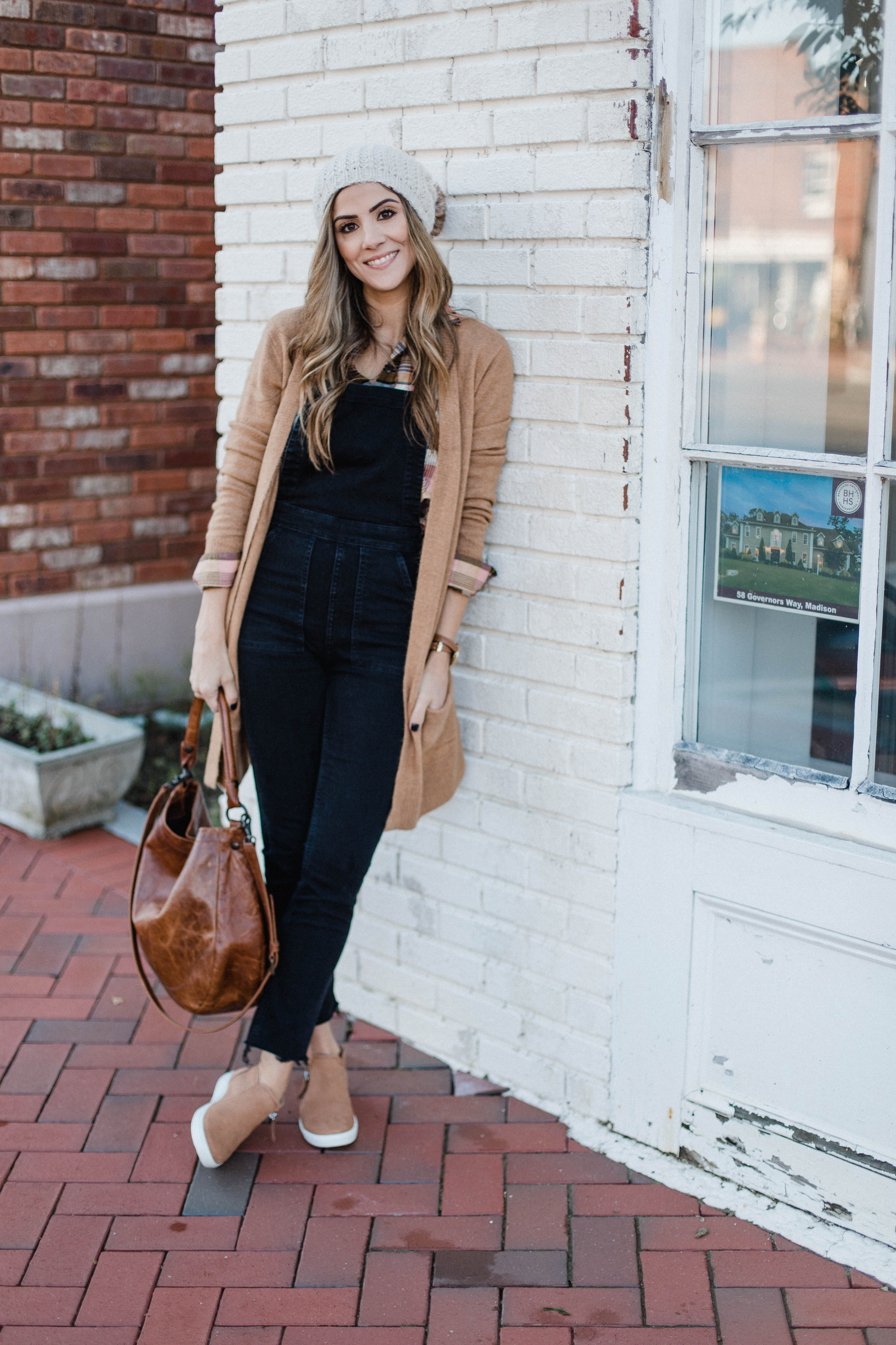 Best Casual Sneakers for Comfort - Lauren McBride 1
