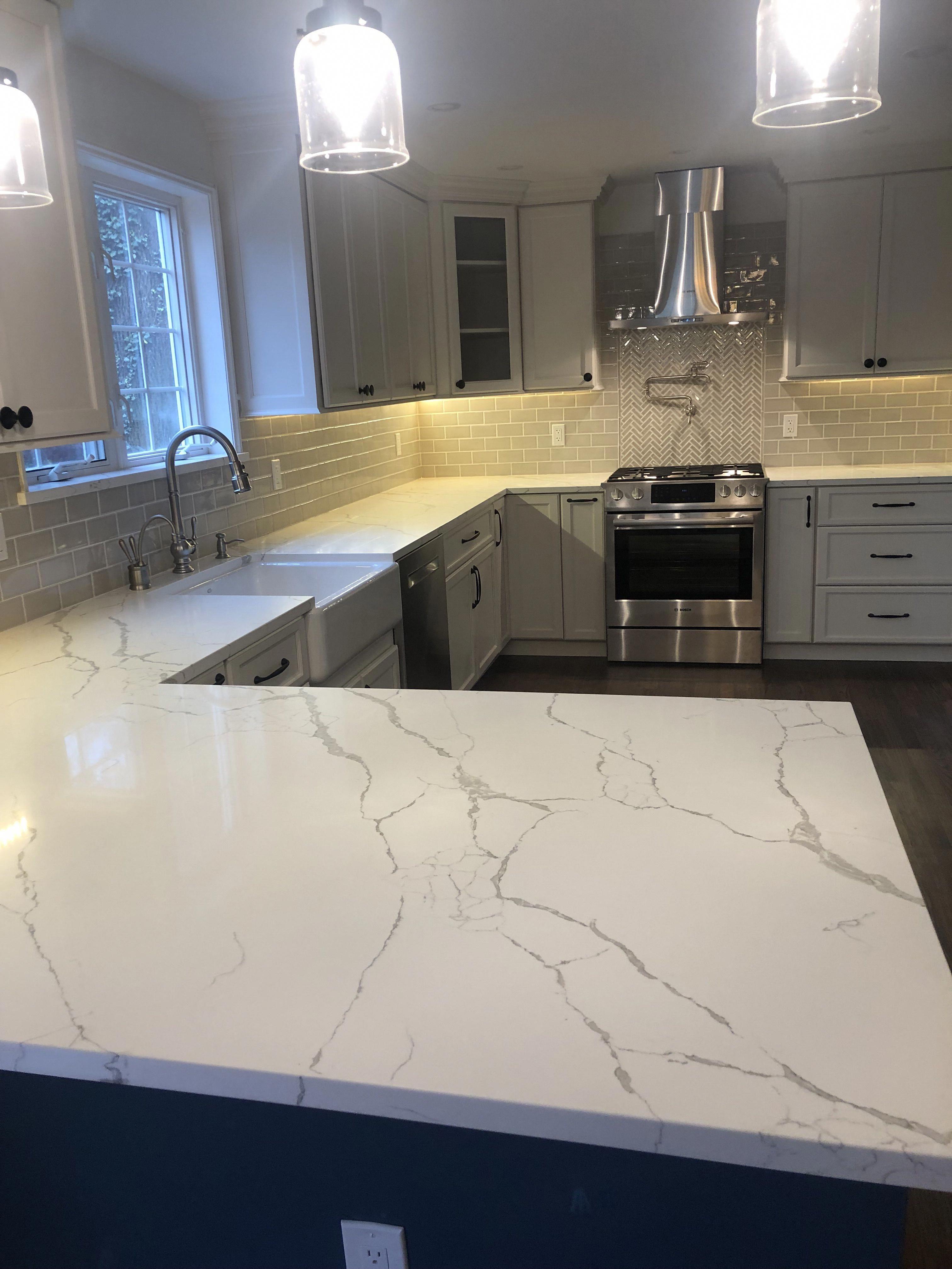 Pin By Shawna Smith Lorch On Home Decor In 2020 Quartz Kitchen Countertops Kitchen Inspiration Design Grey Kitchen Designs