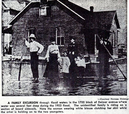 Granite City Flood Of 1903 A Family Excursion Through Flood Waters In The 1700 Block Of Delmar Avenue Where Water Was Sever Granite City Excursions Women Wear