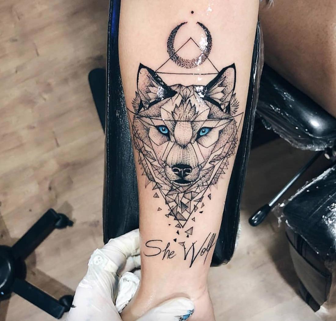 Wolf Tattoo Moon Geometric Body Art Tattoos Small Tattoos Tattoos For Women Small