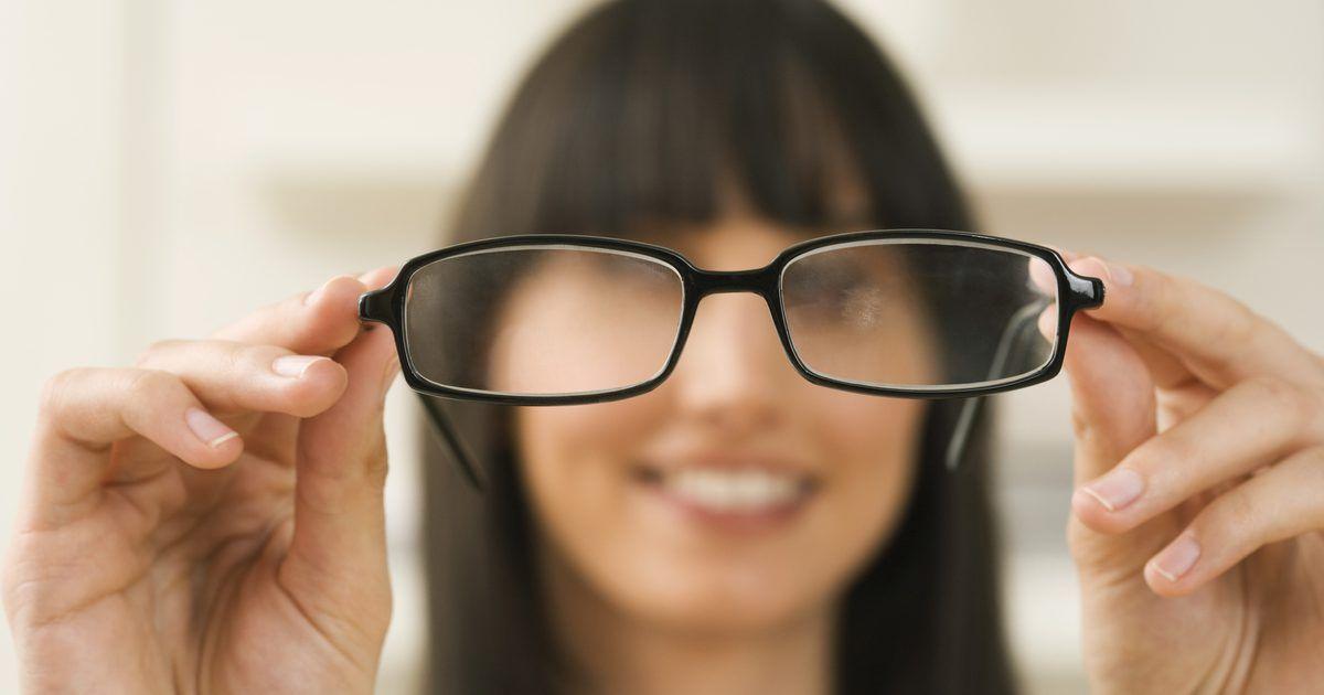 Técnicas para ajustar anteojos. Los profesionales de la vista hablar ...