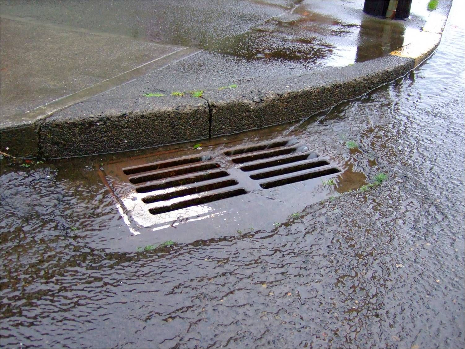 A Simplified Approach For Stormwater Drainage Networks