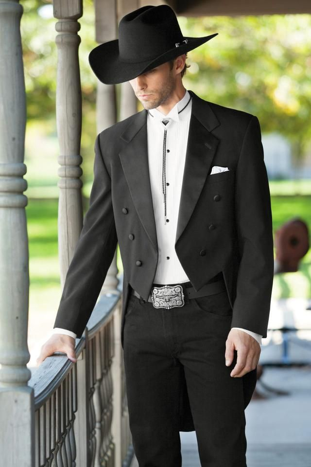 Classic Notch Fulldress Traditional Fit Tuxedo | Graneros ...