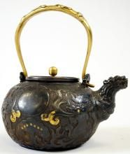 CHINESE DRAGON AND RUYI DECORATED CAST IRON TEAPOT WITH BRASS HANDLE, 19/20TH CENTURY. HEIGHT 8