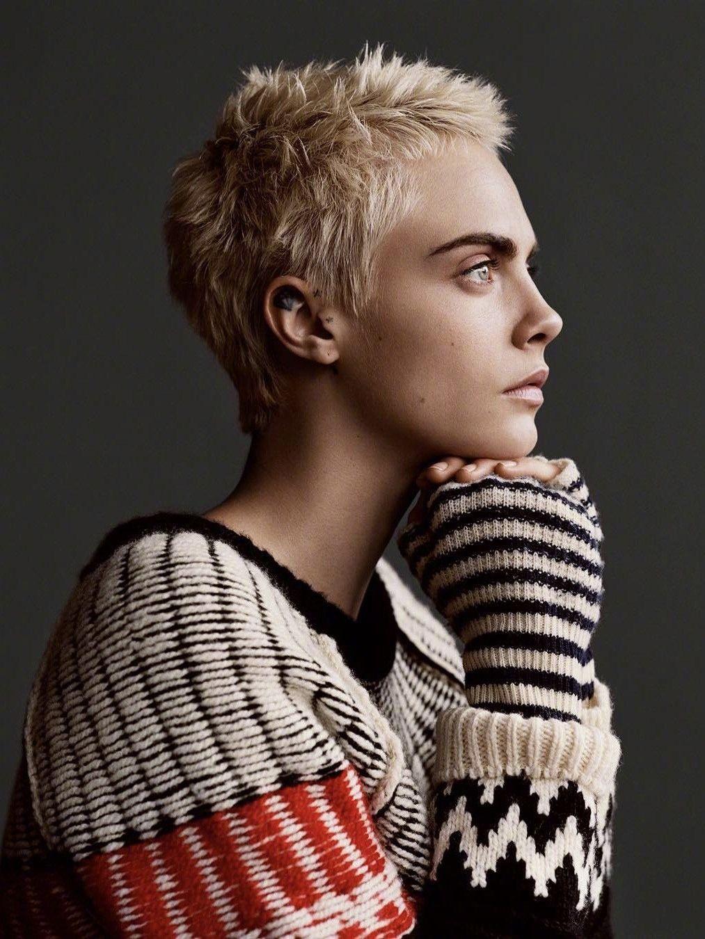 Cara Delevingne Cara Delevingne In 2018 Pinterest Graue Haare
