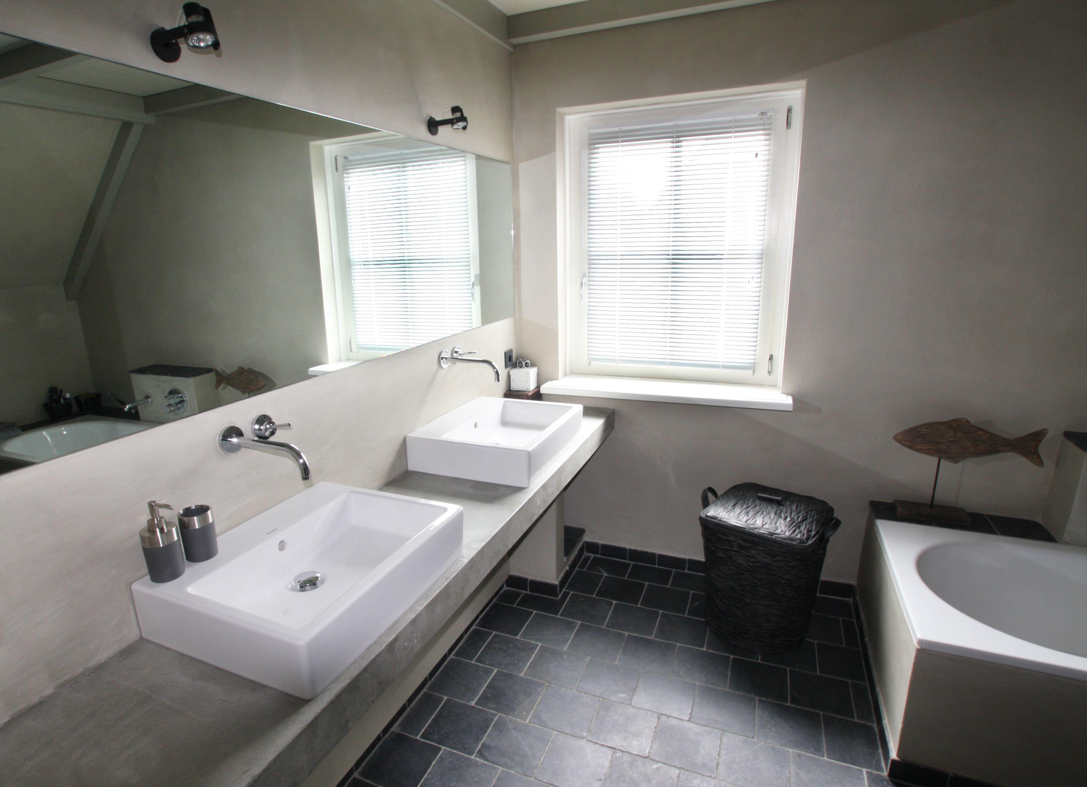 Beton Stucwerk Badkamer : Bathroom with natural colors badkamer met natuurlijke kleuren
