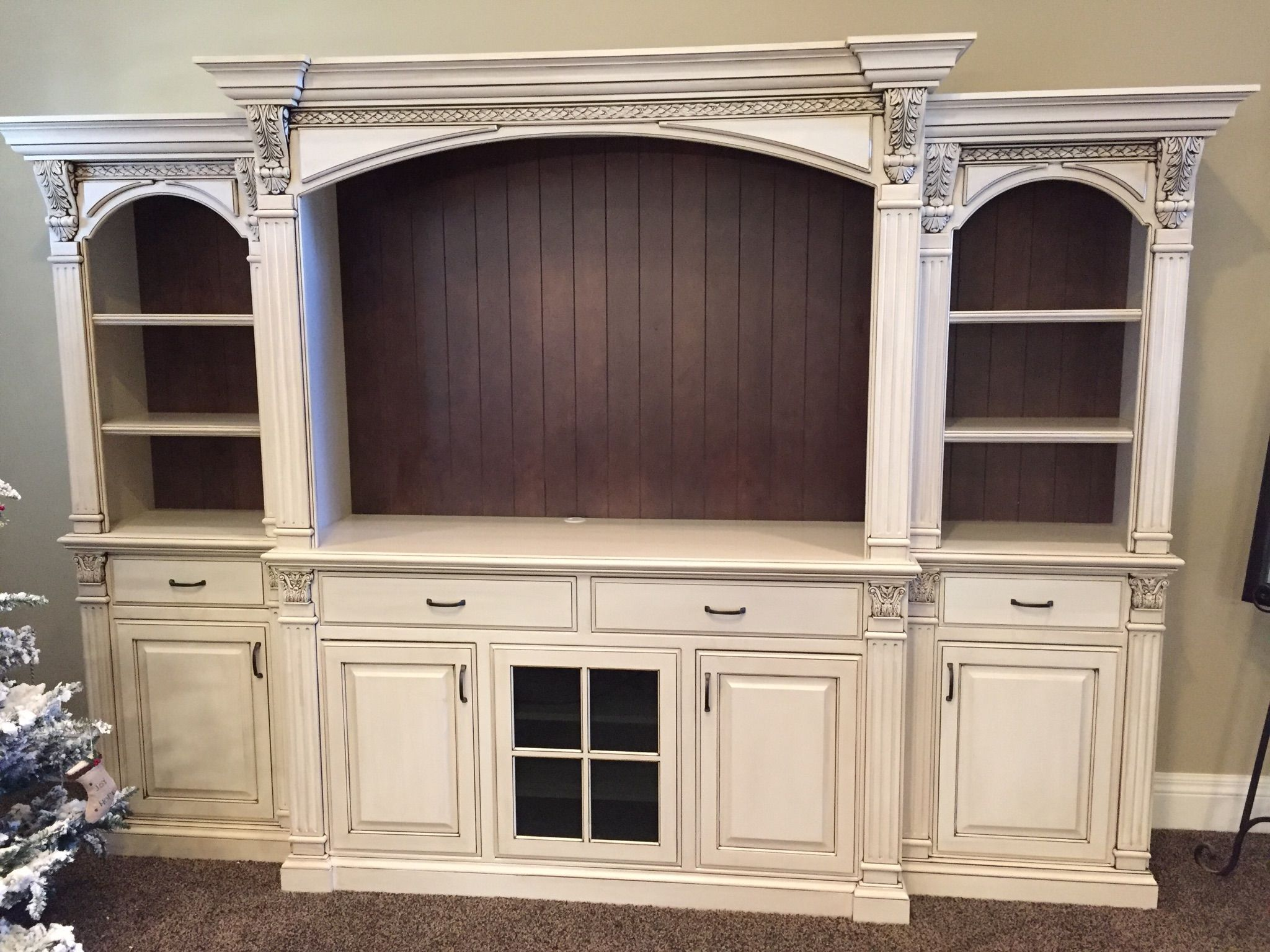 Delicieux Antiqued White Entertainment Center With Bead Brown Backs, Fluted Columns  And Corbels.