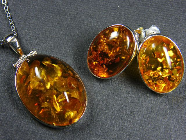 Bernstein Hand-Formed Beads Rare 11.1 grams Baltic Amber