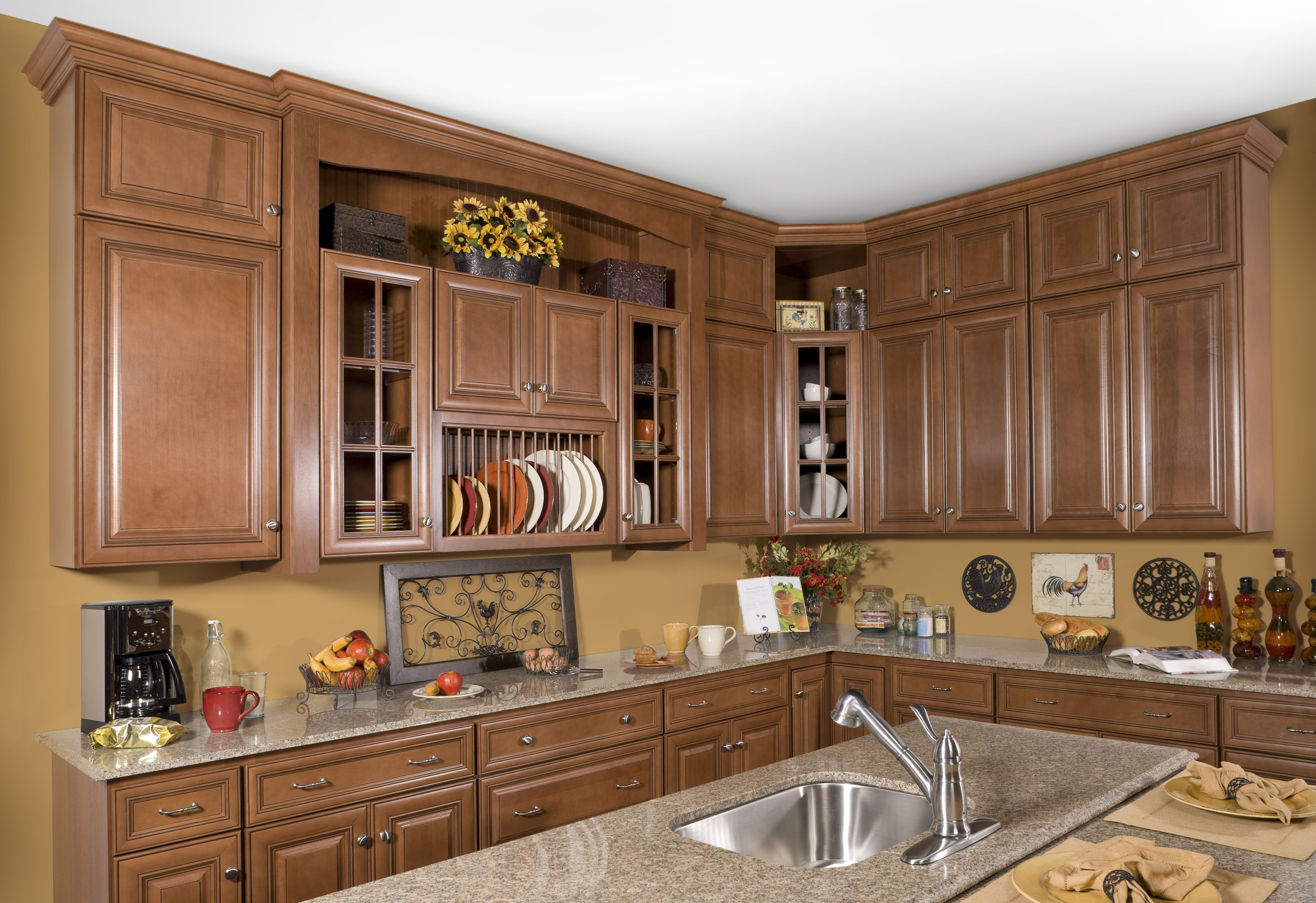 Wolf Classic Cabinets In Hudson Heritage Brown With A Chocolate Glaze Classic Kitchen Cabinets Luxury Kitchen Cabinets Classic Cabinets