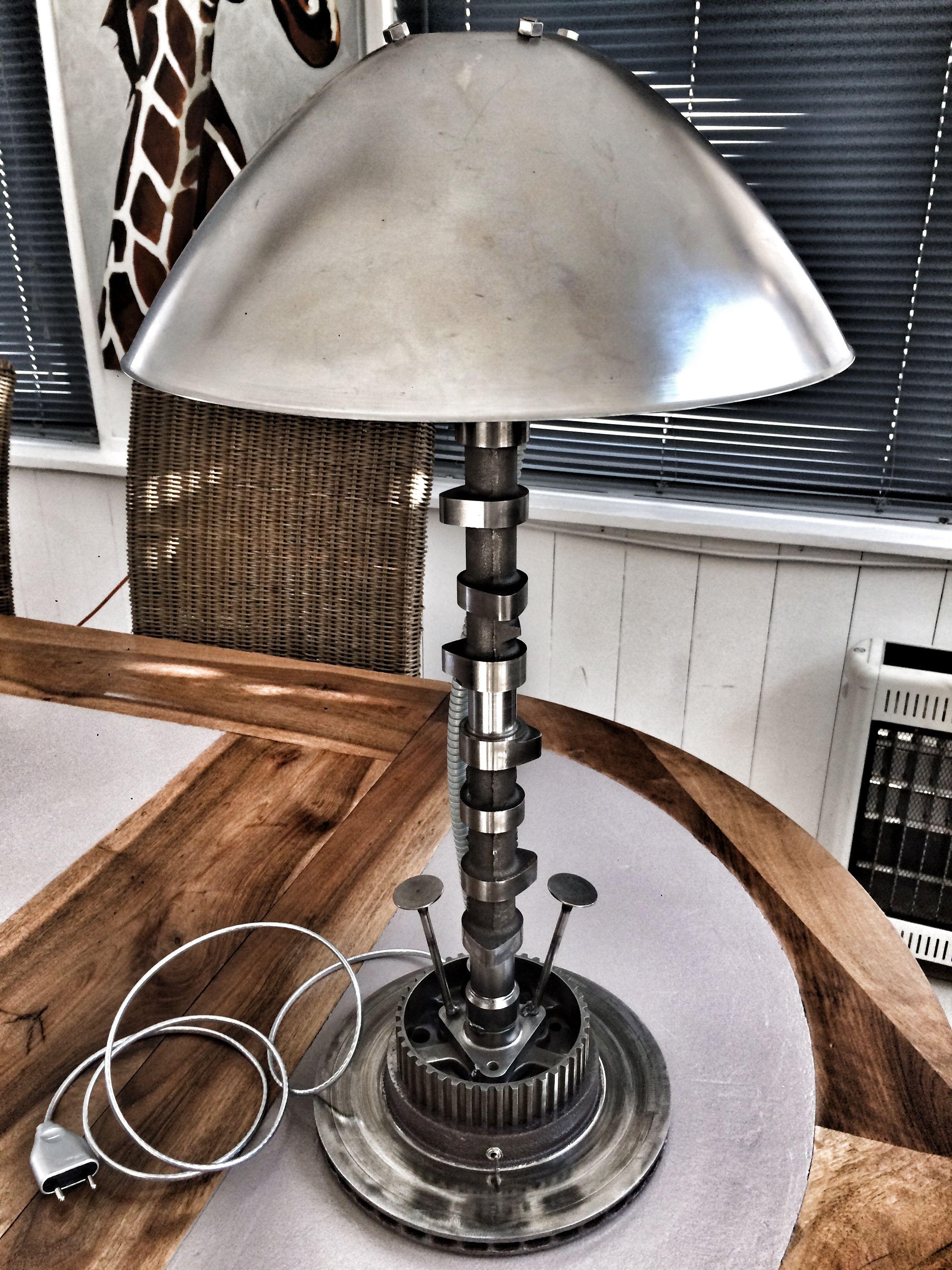 Lampe industrielle, recyclage pièces mécaniques | Industrial