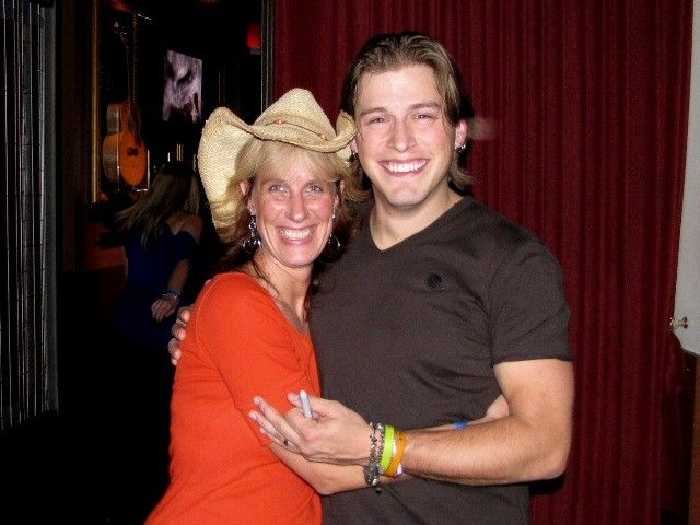 Me & Jason Michael Carroll  Oct 2009