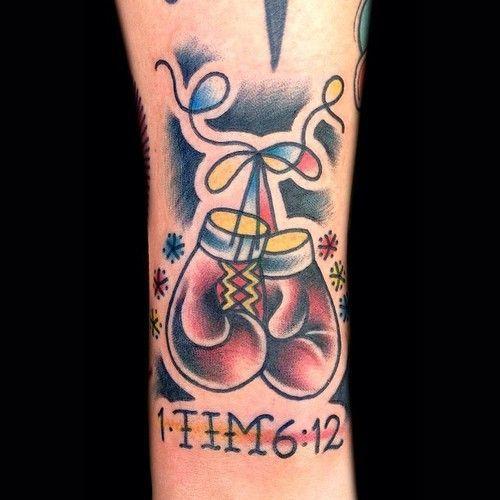 Onpoint Tattoos Tatuajes De Boxeo Guantes De Boxeo Boxeo