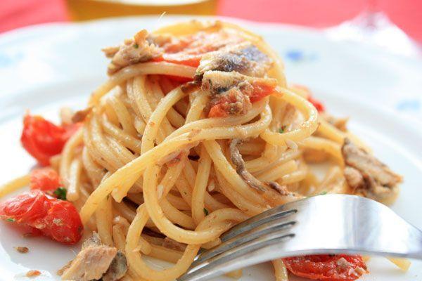 Ricetta Spaghetti con alici e pomodorini