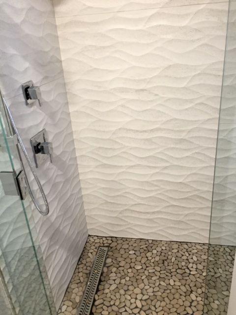 Wall Tile Ona Blanco 13x40 Shower Floor Tile Mosaico Lake Stone Cremas 12x12 Bathroom Shower Walls Bathroom Tile Designs Black And White Tiles Bathroom