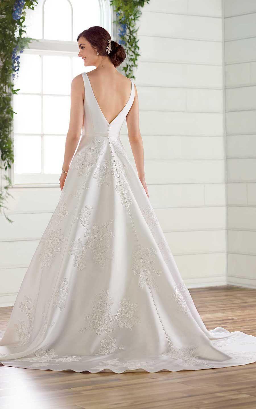 Essense of Australia's Classic Chic Spring 2019 Wedding