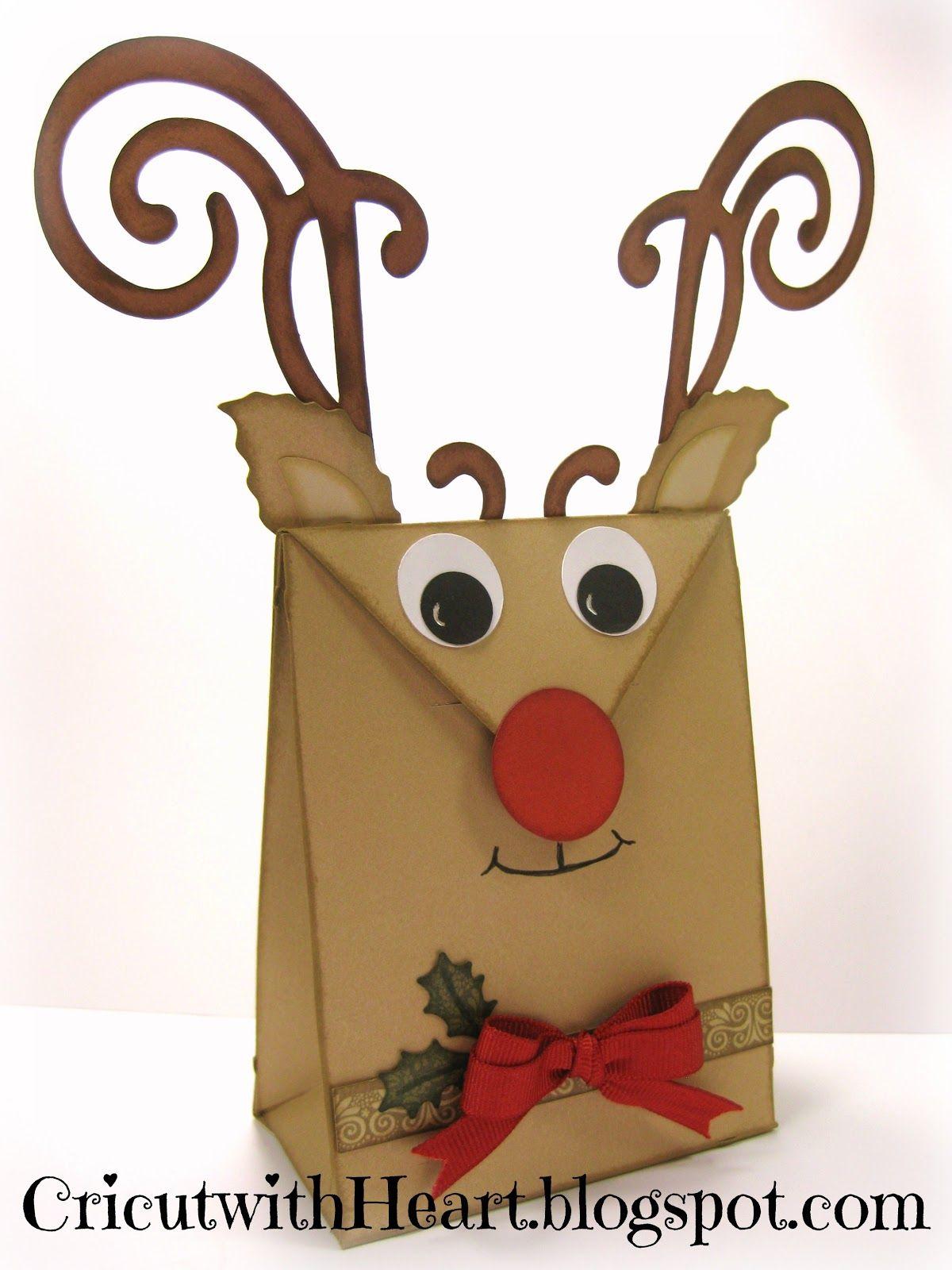 Cricut with heart cricut artiste reindeer bag adornos for Manualidades souvenirs navidenos