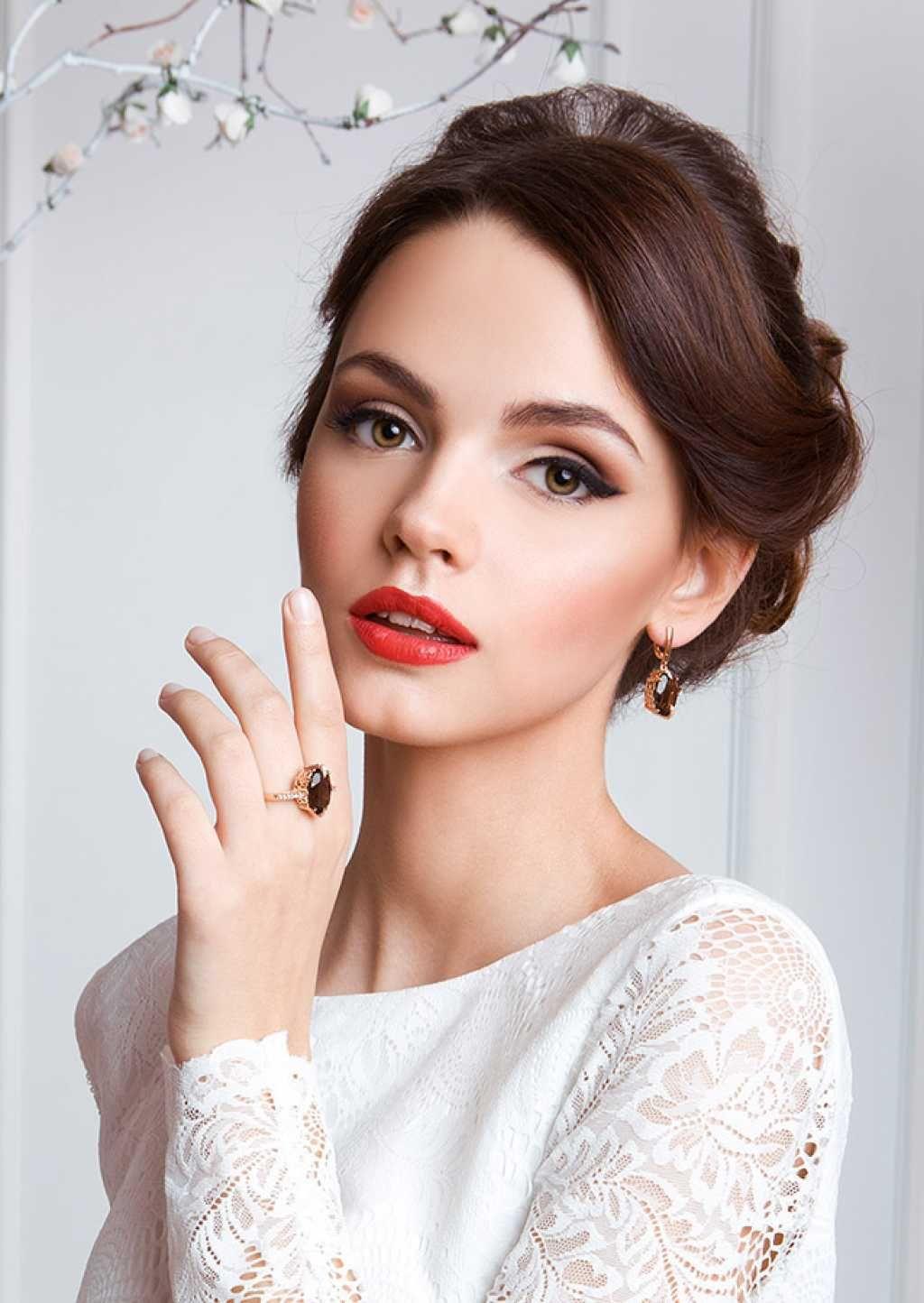 Braut Makeup Brautstyling Hochzeit rote Lippen