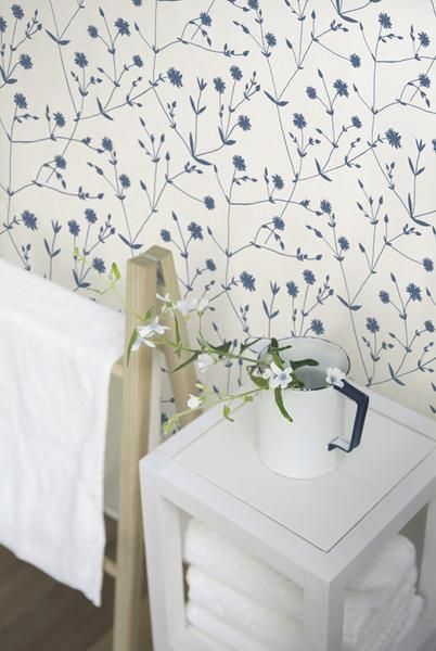 Designed By Maija Isola Each Roll Measures 21 Wide By 11 Yards Long And Covers An Area Of Approximatel Marimekko Wallpaper Floral Wallpaper Bedroom Marimekko