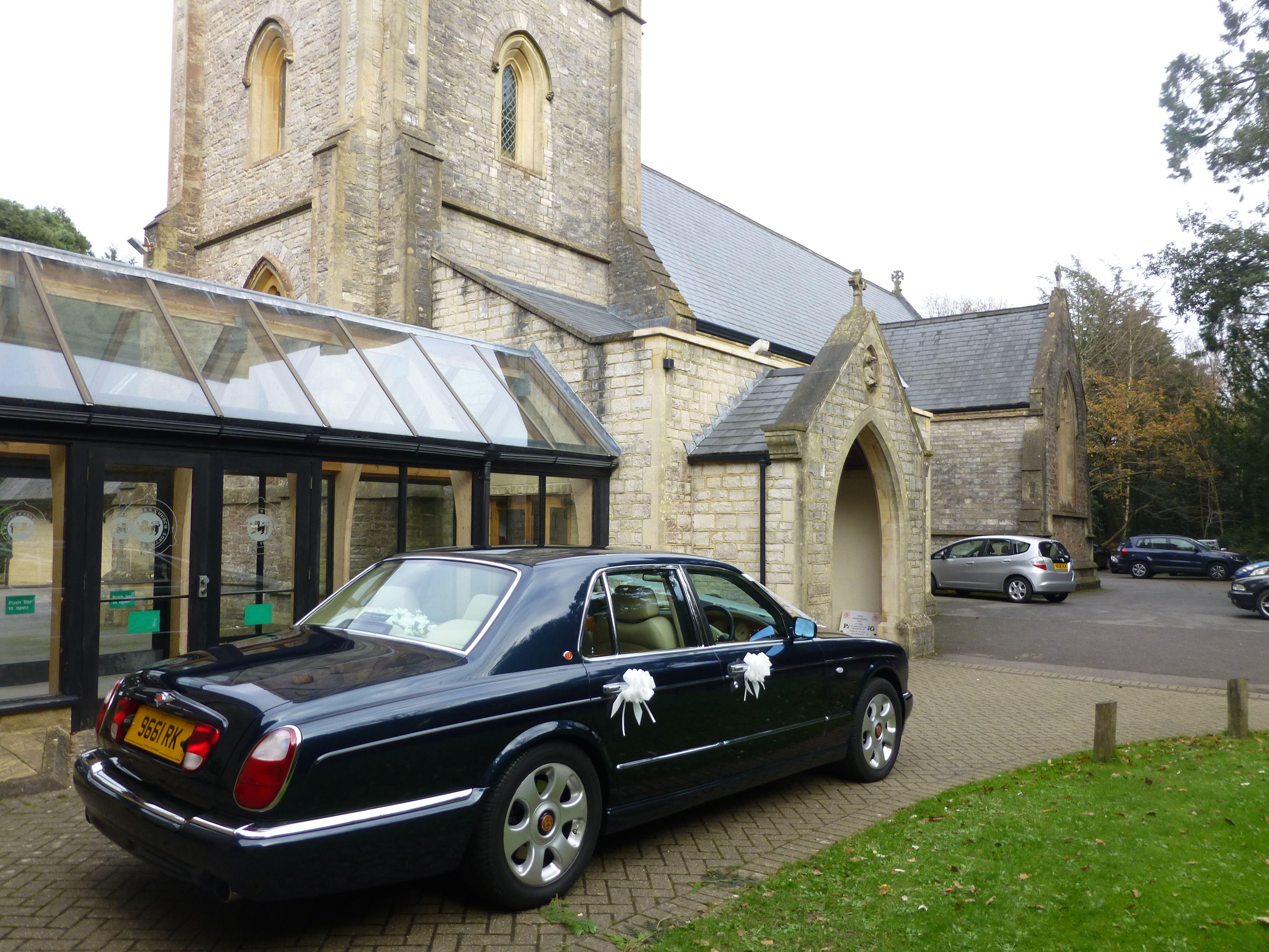 Bentley wedding car at St Mark's Church, Bournemouth ...
