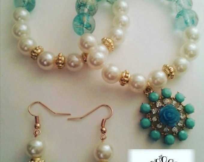 Browse unique items from QueenJewelsBoutique on Etsy, a global marketplace of handmade, vintage and creative goods.