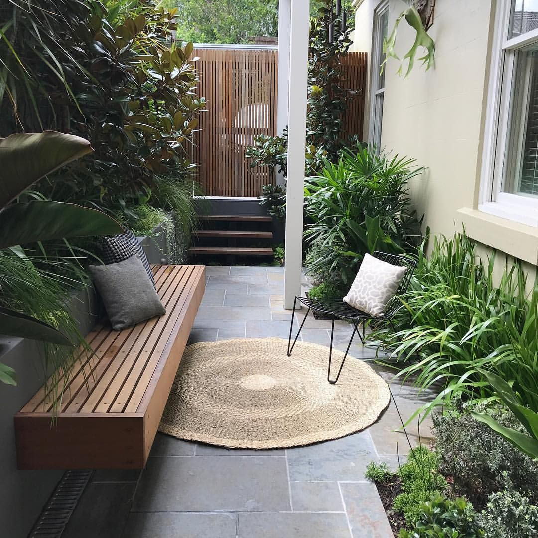 Who Said Size Matters Our Inner City Annandale Courtyard Showing A Great Use Of An Extr Courtyard Gardens Design Townhouse Garden Small Patio Ideas Townhouse