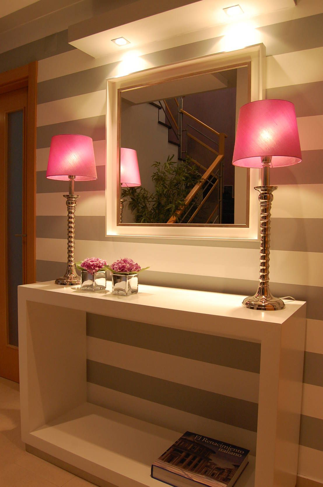 Entry hallway furniture   ideas para decorar casas modernas  Entry hallway Future house