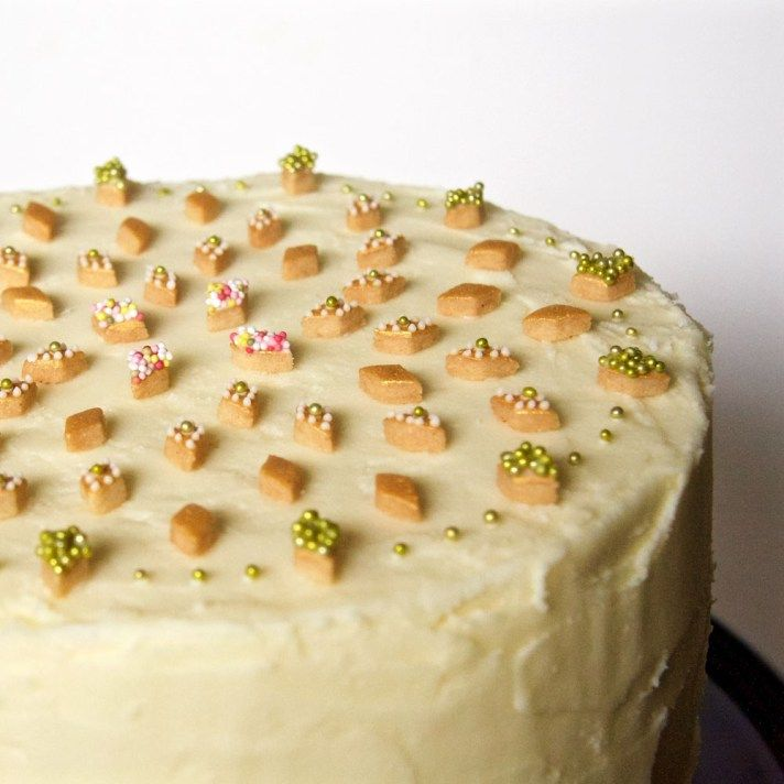 gold diamond biscuit topped cake