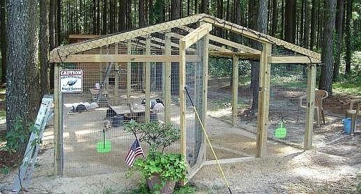Guinea fowl international association guinea coop very - Enclos pour poules ...