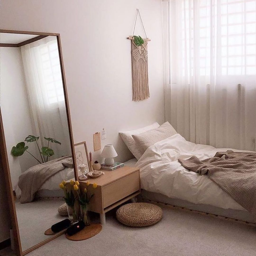 Differ Tv On Instagram Bstlovesyou Small Bedroom Decor Small Room Bedroom Urban Outfiters Bedroom