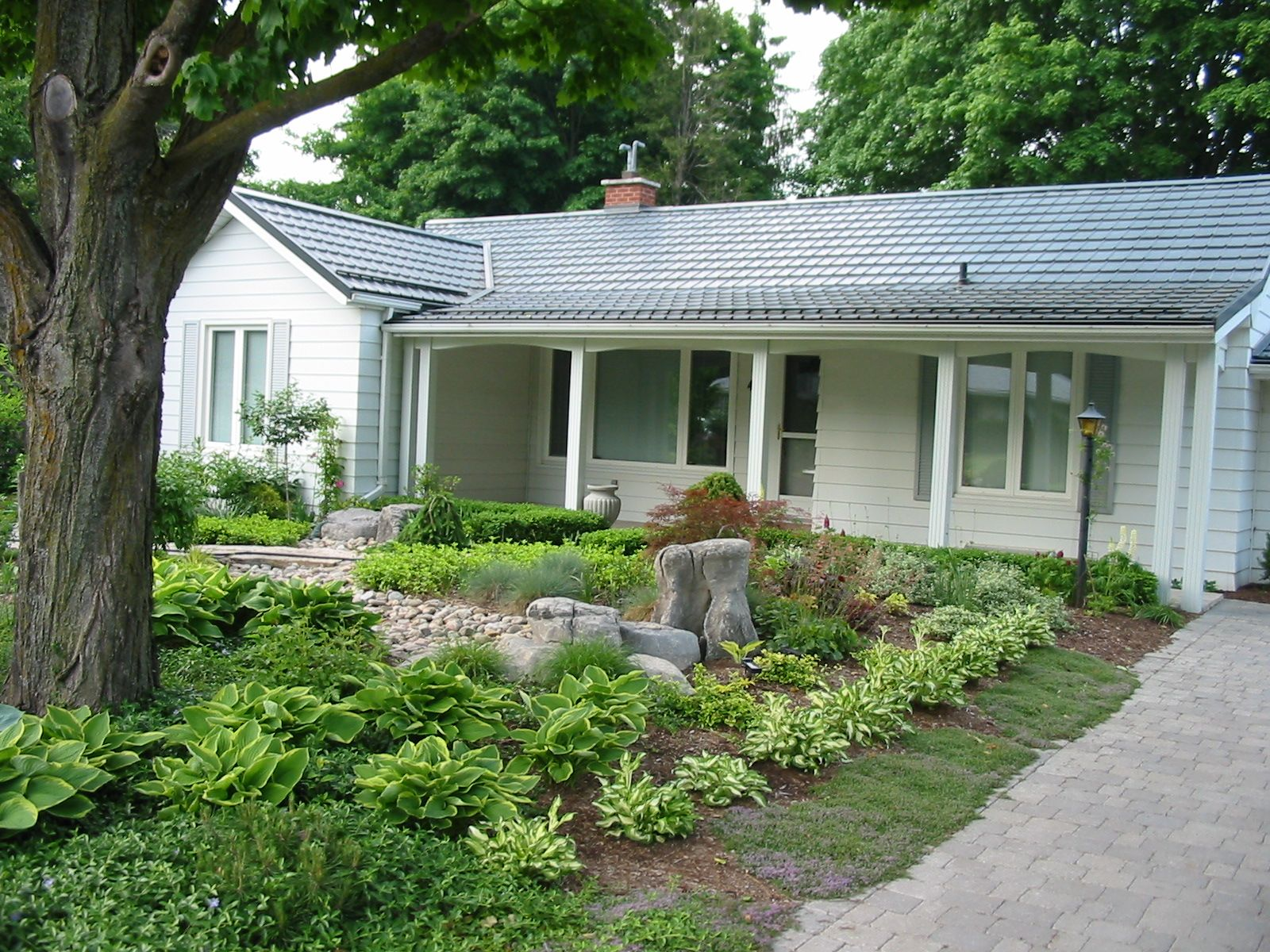 big front yard no grass ideas | Lawn Alternatives Tired of lawn, try ...
