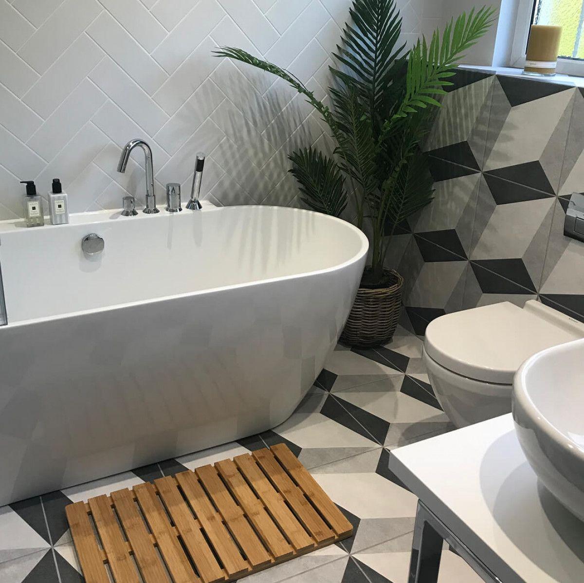 9 Fresh, Budget-Friendly Ideas For Small Bathrooms