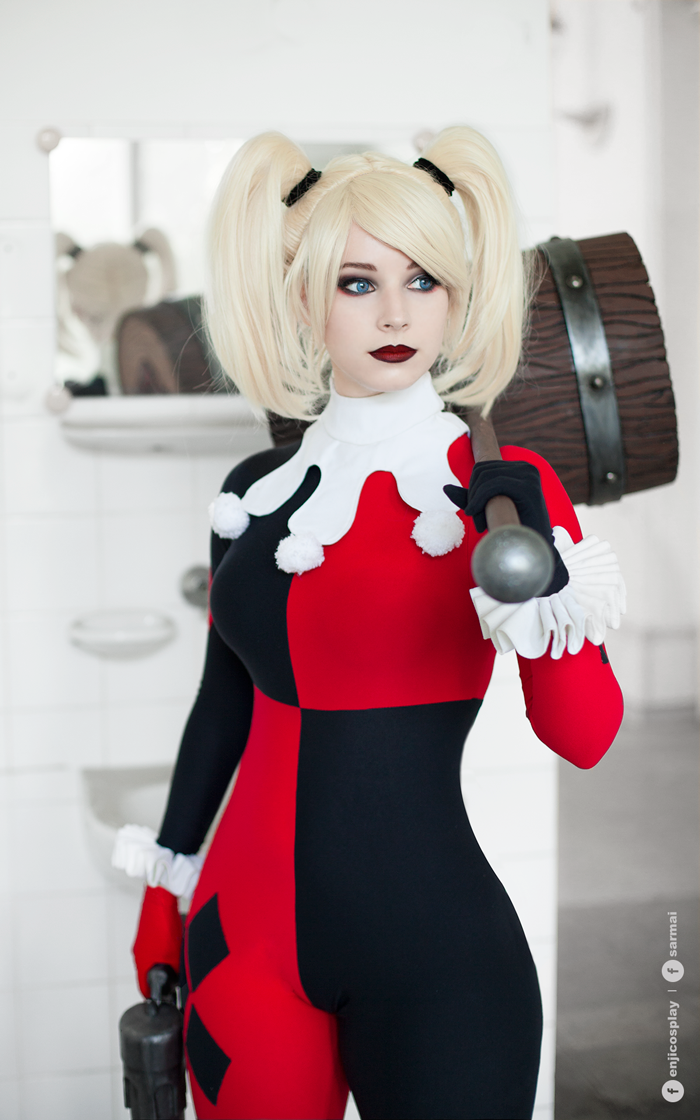 9241d689f06 Character  Harley Quinn (Dr. Harleen Quinzel)   From  DC Comics  Harley  Quinn    DCAU s  Batman  The Animated Series    Cosplayer  Anna Rédei (aka  Enji ...