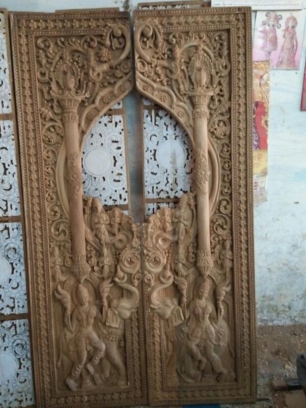 Interior Kamar Tidur Bali  pin on temple door