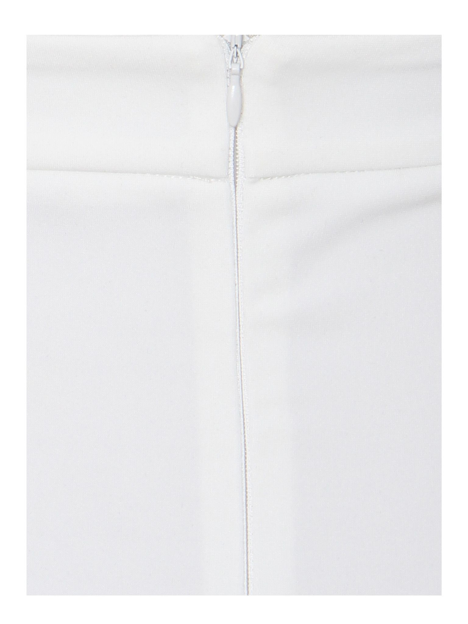 b8ef173c12 This elegant white bodycon dress is perfect for the most upscale events. It showcases  flowy