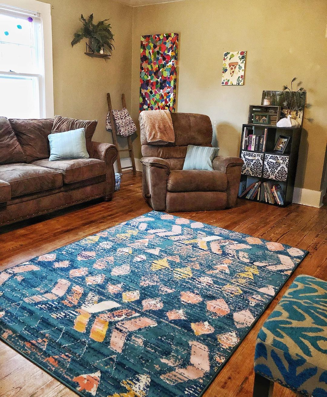 Living room with pops of color (With images)   Easy home ...