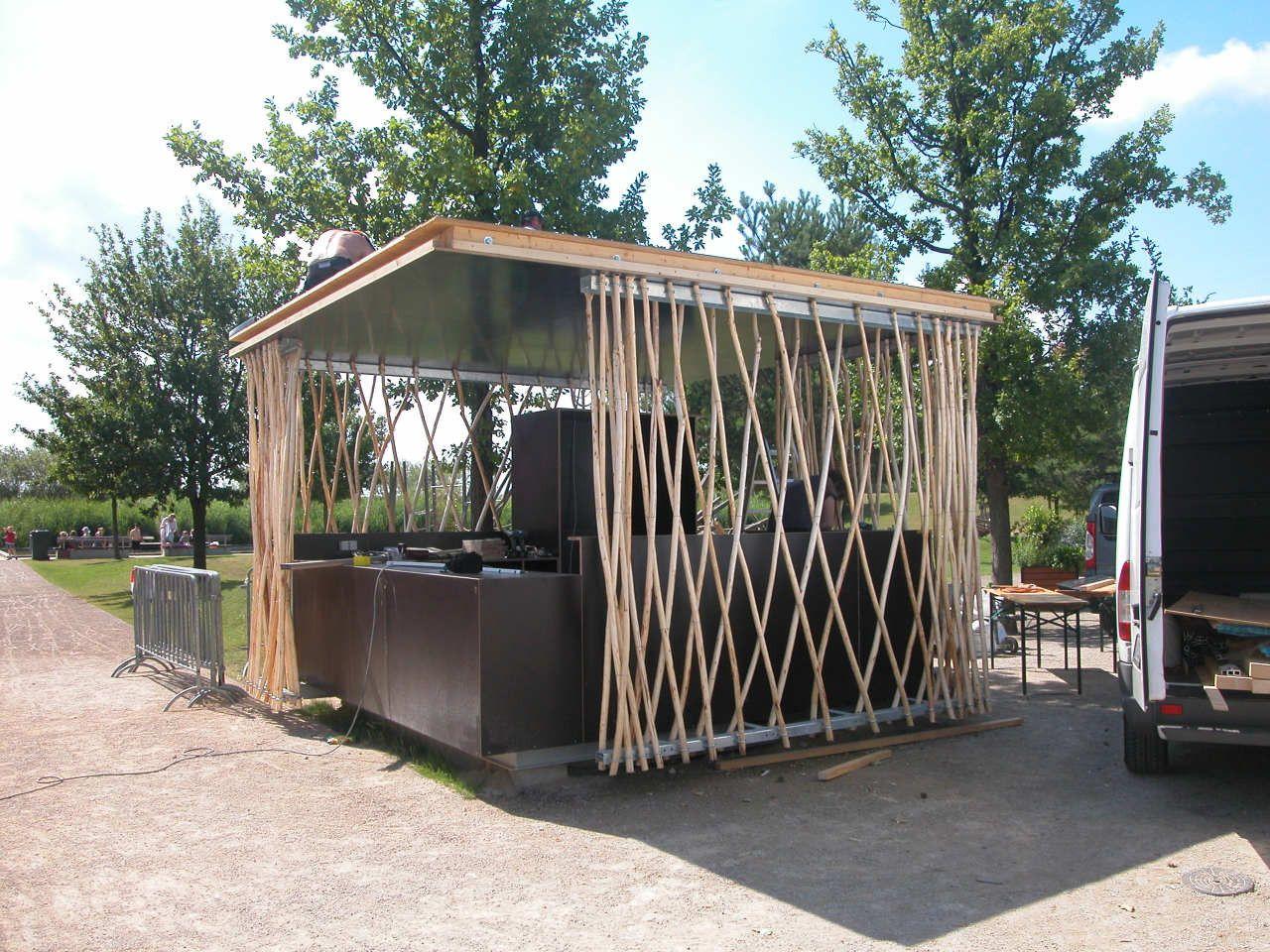 Simple-Tech-Kiosk / partnerundpartner-architekten | Kiosk, Potsdam ...