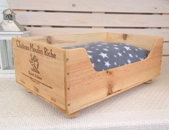 Wine crate cat bed  Chateau Moulin Riche  by BaxterandSnowwinebox