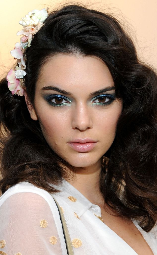 Just Like Kendall How to Pull Off Shimmery Shadow for