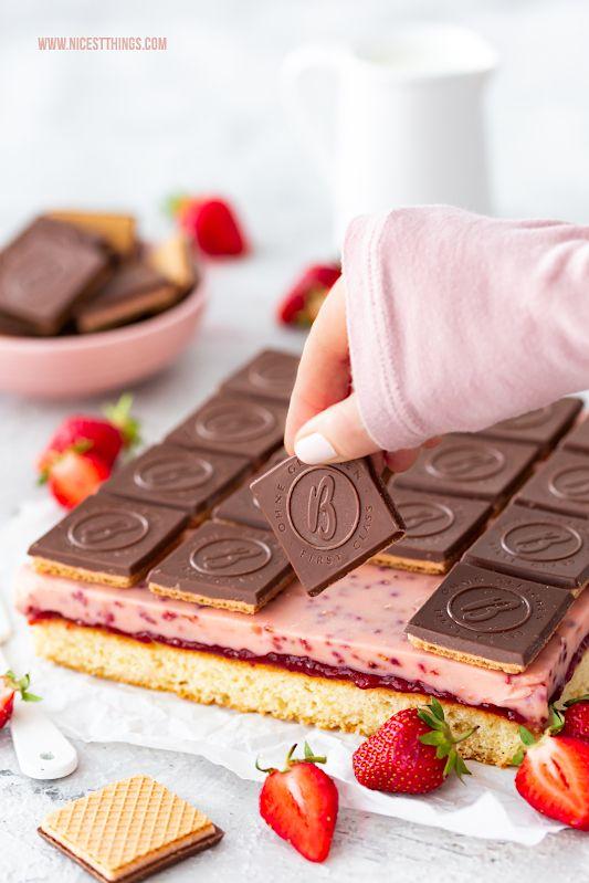 Schneewittchen Kuchen mit Erdbeeren & Baileys Waffeln - Nicest Things