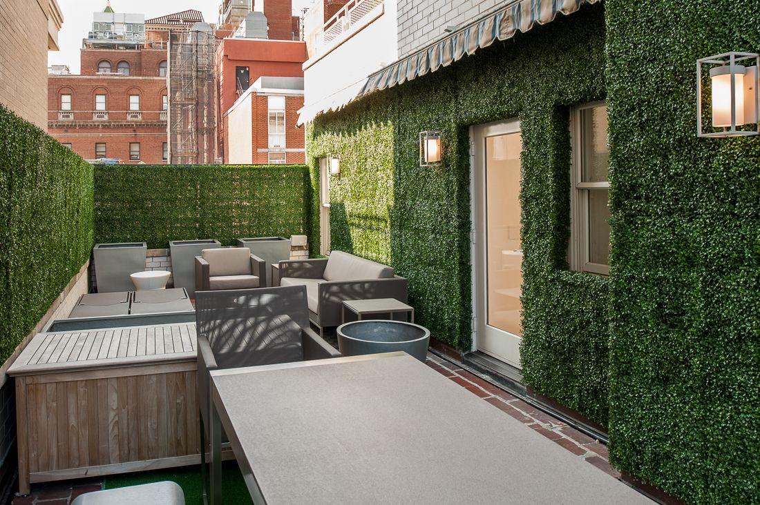 Artificial Green Wall Courtyard