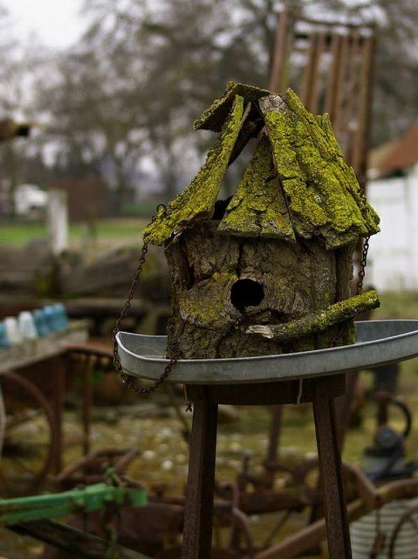 vogelhaus holz umweltfreundlich dunkel selber bauen. Black Bedroom Furniture Sets. Home Design Ideas