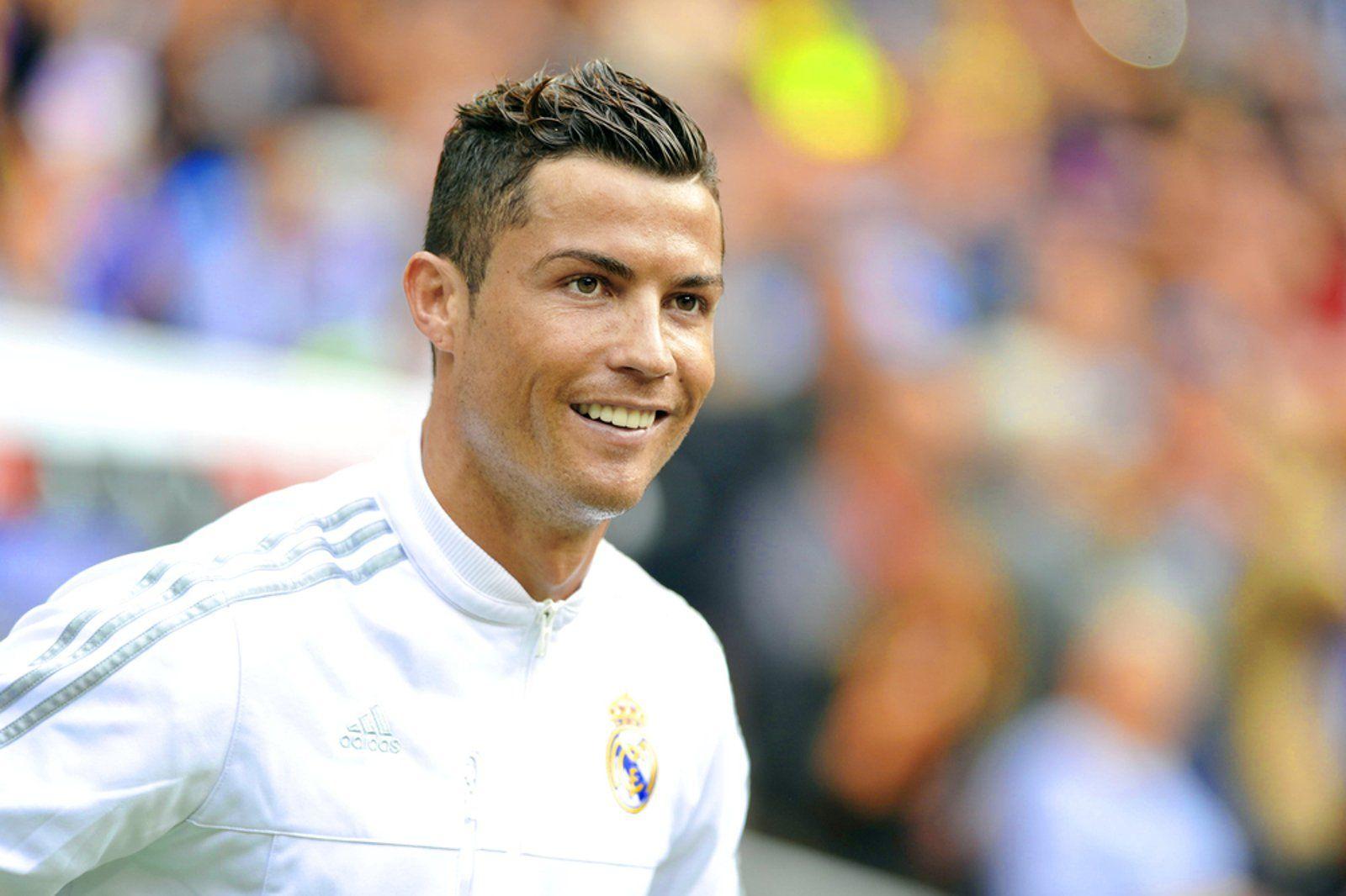 Ronaldo Smiling Photos CR 7