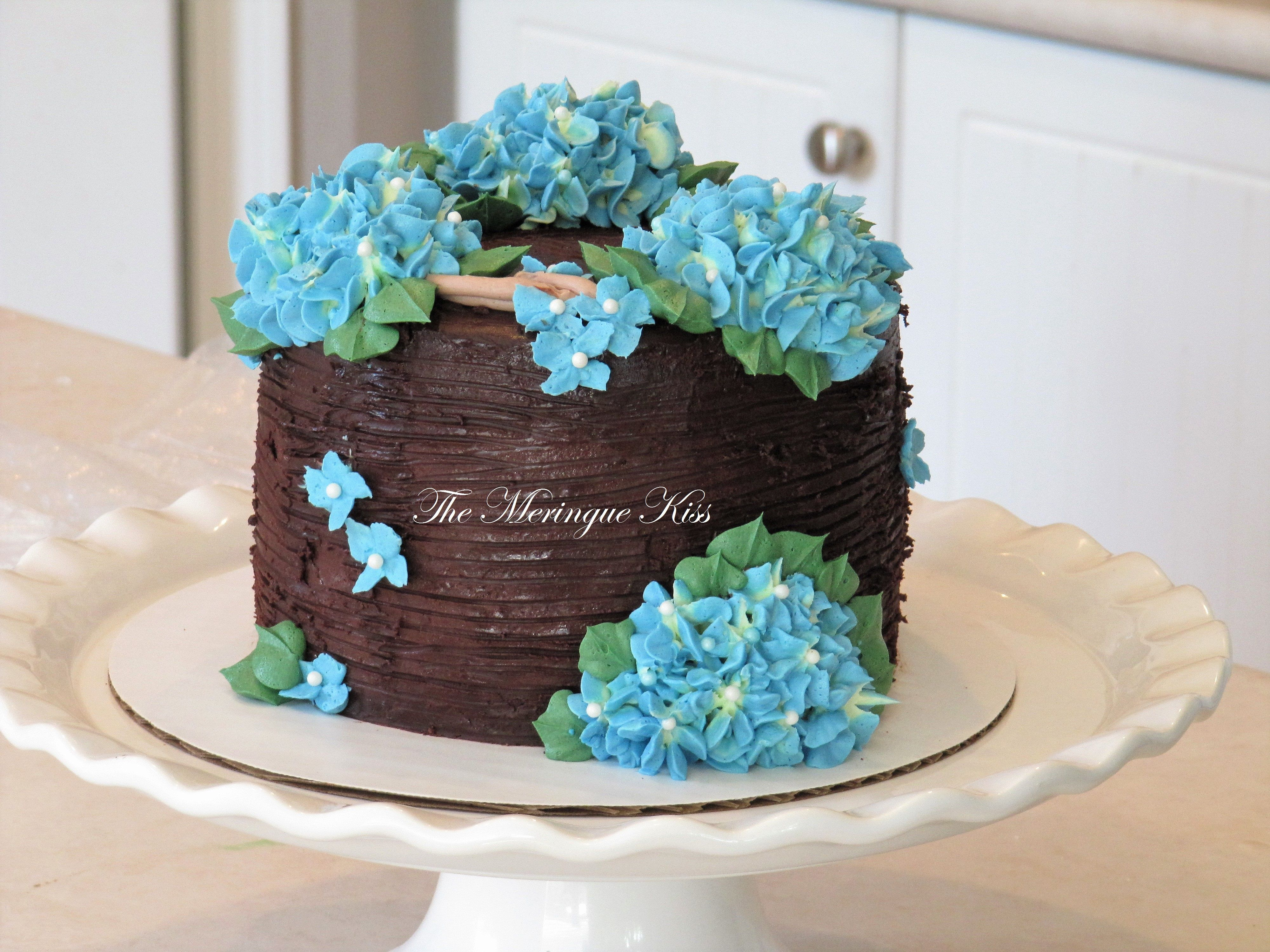 Buttercream hydrangea cake | Hydrangea cake, Butter cream ...