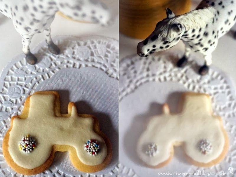 Glasur Weihnachtsplätzchen.Cookies Vanillecookies Kekse Vanilleschote Ausstechform Traktor