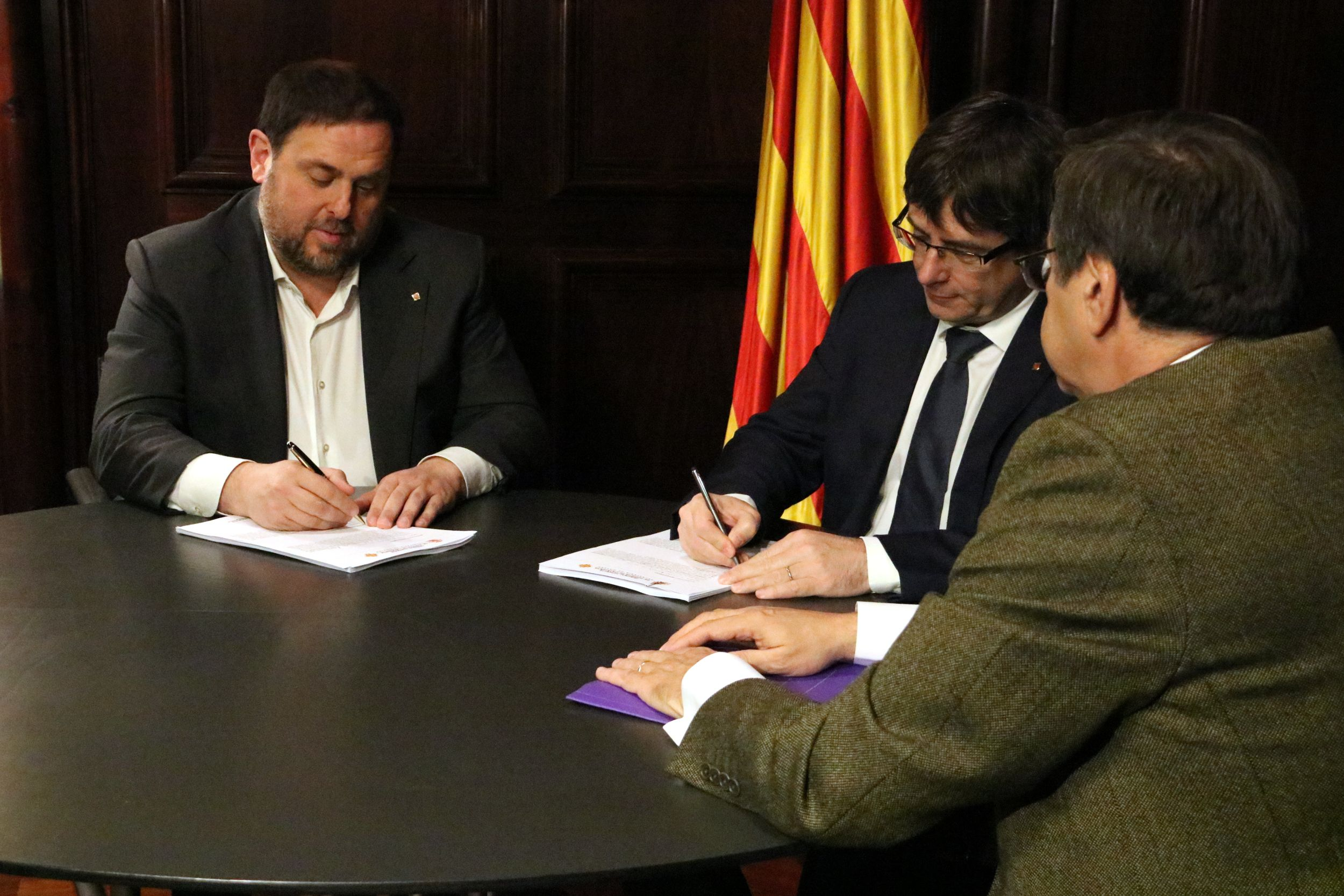Catalan Government receives Spanish Constitutional Court warning on penal consequences of holding a referendum
