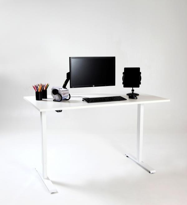 Nurmela ProDesk sähköpöytä. #nurmelainterior #nurmelaprodesk