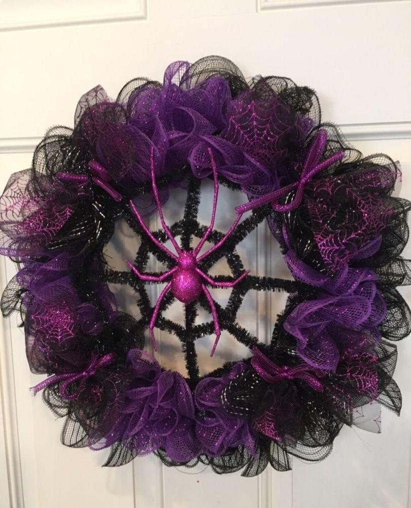 Creative diy halloween wreaths design ideas (51) #halloweenwreaths